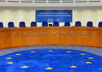 800px-European_Court_of_Human_Rights,_courtroom,_2014_(cropped)
